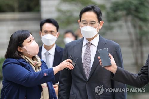 李在鎔出庭受審